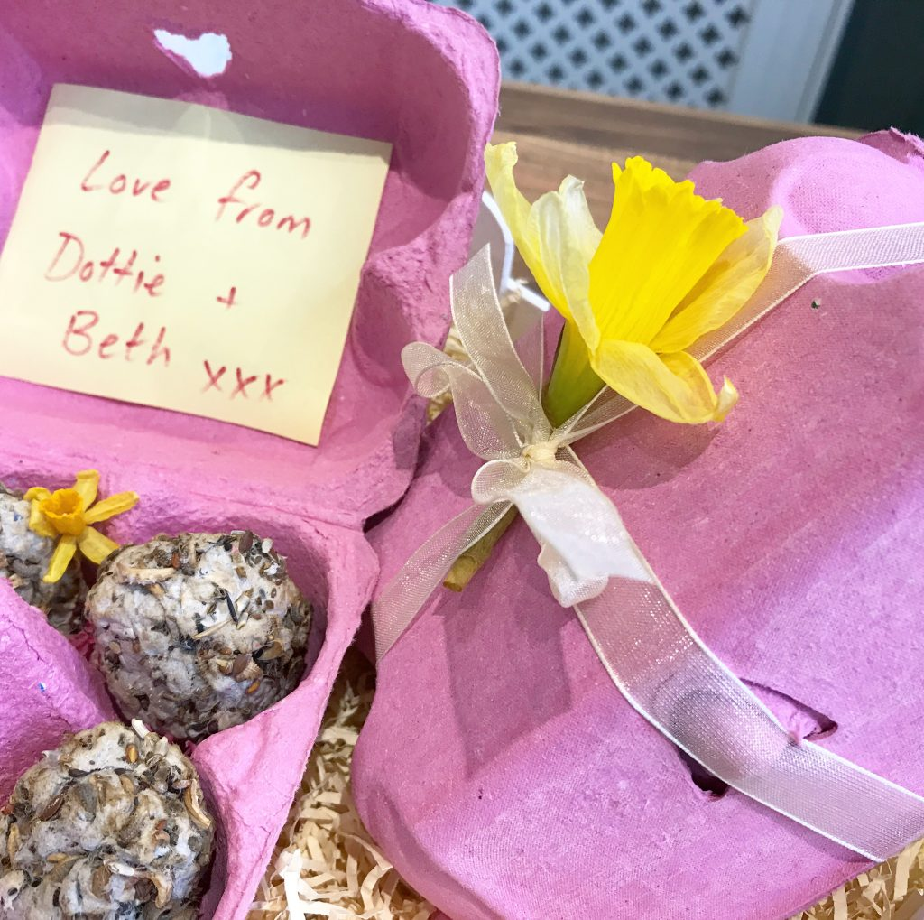 Flower Bombs * Marvellous Mrs P - Lifestyle, Vintage & Family Blog